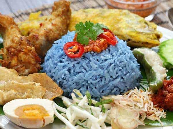 Nasi Kerabu Warisan Nusantara