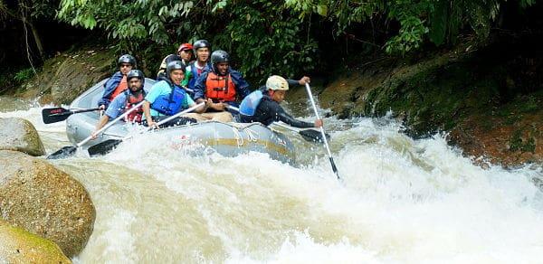 Arung Jeram Sungai Ulu Slim