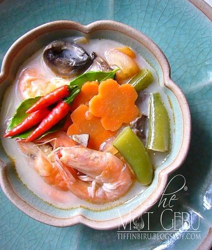 sup tom yam putih mat gebu
