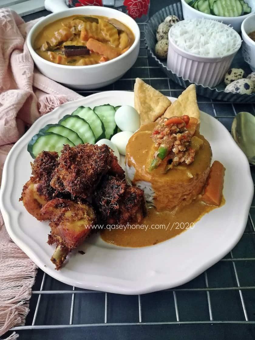 Nasi Kukus Ayam Goreng Cincang Berempah