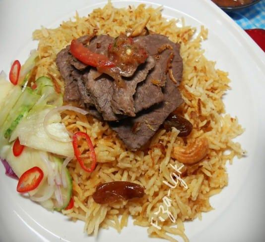 nasi daging dengan air asam berkerisik
