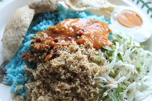 Nasi-Kerabu-Kelantan-Azie-Kitchen